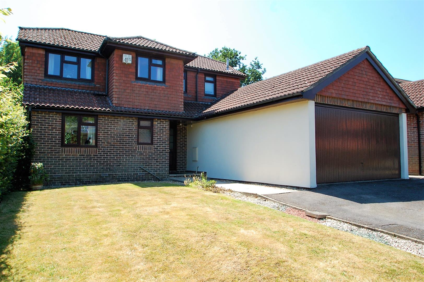 Willowdale Close, Petersfield